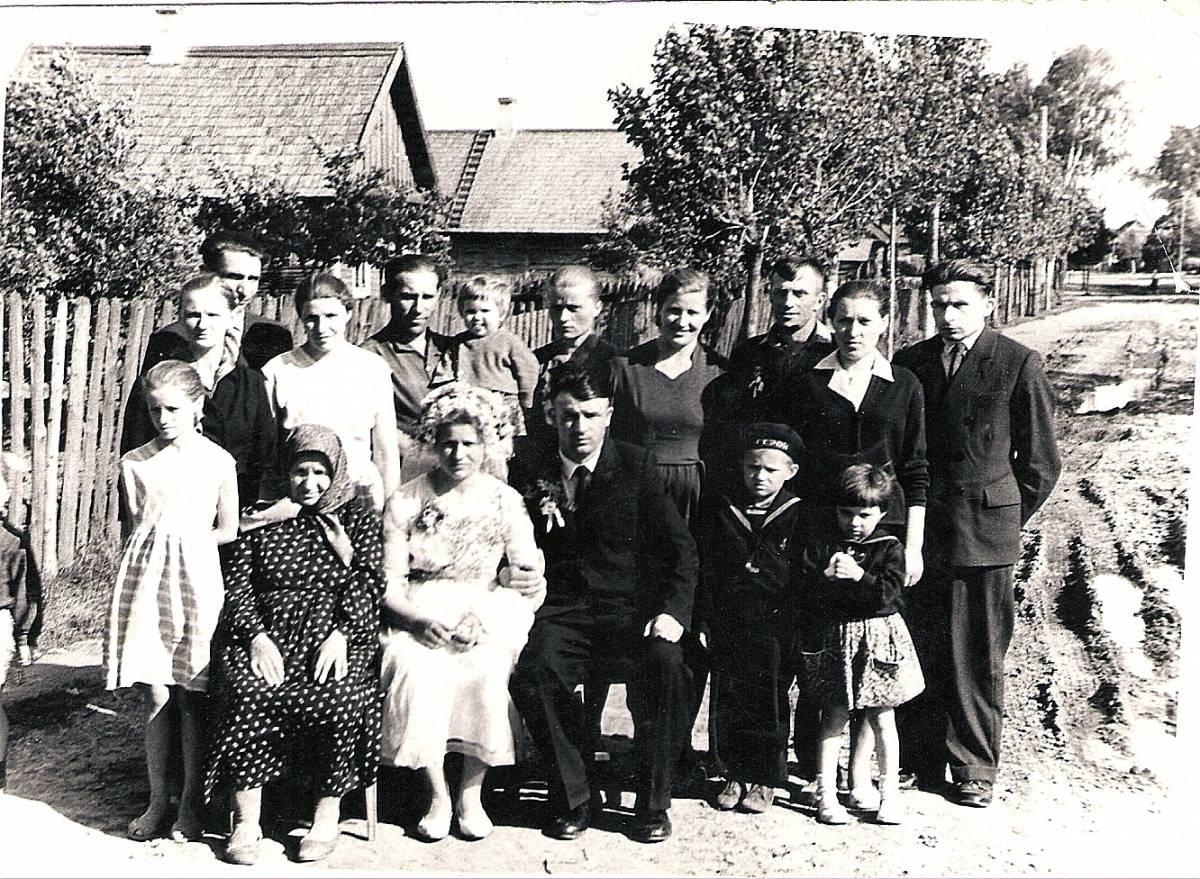 Деревня Ганцевичи     <br>Семья Мелеховцов