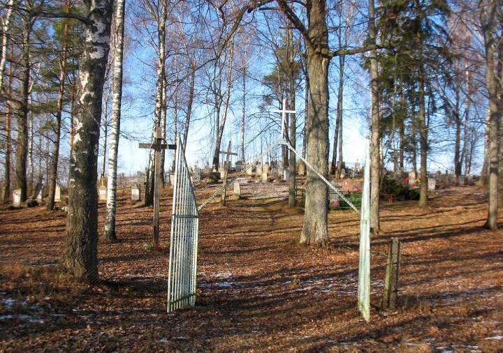 Stary cmentarz w Uklach / nie jestem autorem tego zdjęcia