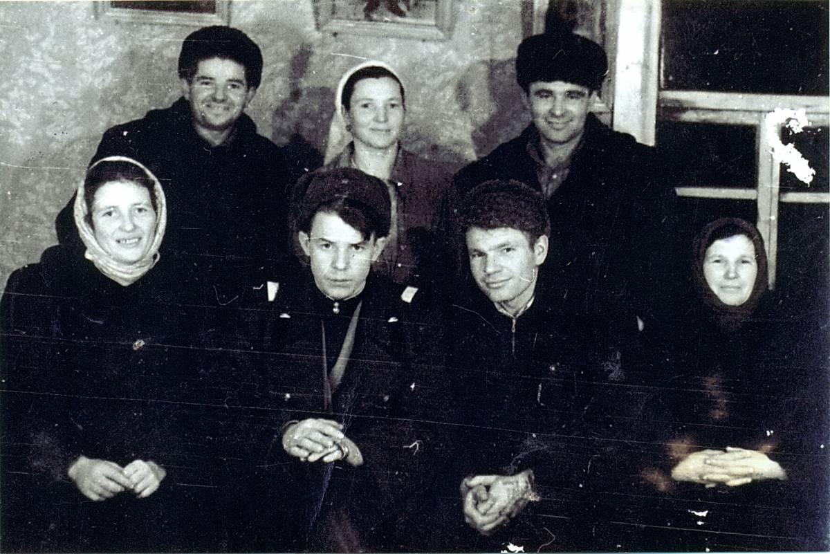 У госці прыйшлі дваюрадныя браты маці - Петракоўскія...