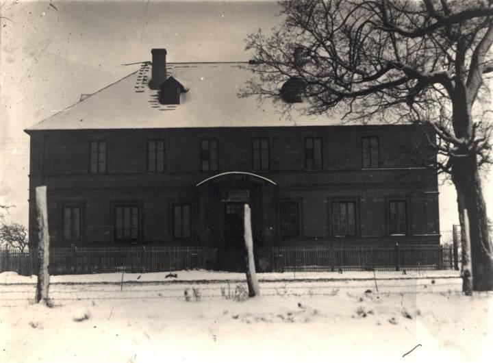 Szkoła w Koreliczach.