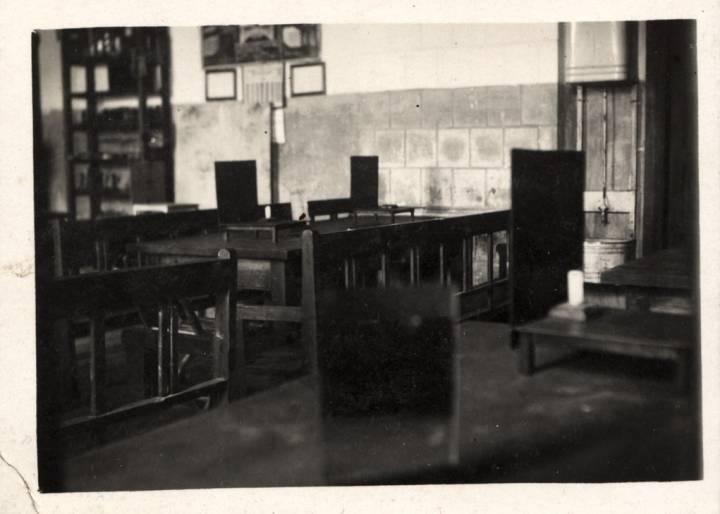 Wnętrze klasy w szkole w Koreliczach.