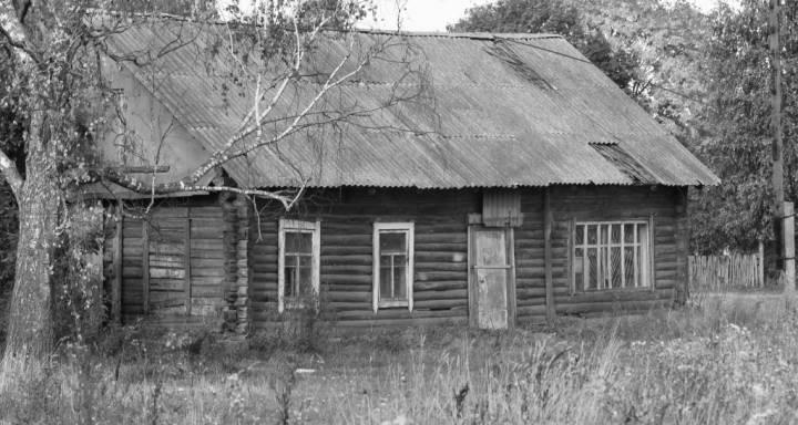 Бабы. Будынак былой першапачатковай школы.<br>Разабраны і знесены восенню 2013 г.