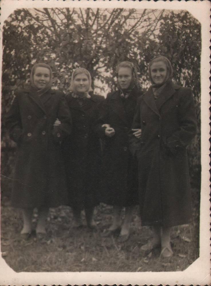 Ваўковіч Ніна,Яўгенія,Беспудчык Ганна,Сакалюк Алена.швачкі Воўчынскай швейнай майстэрні.