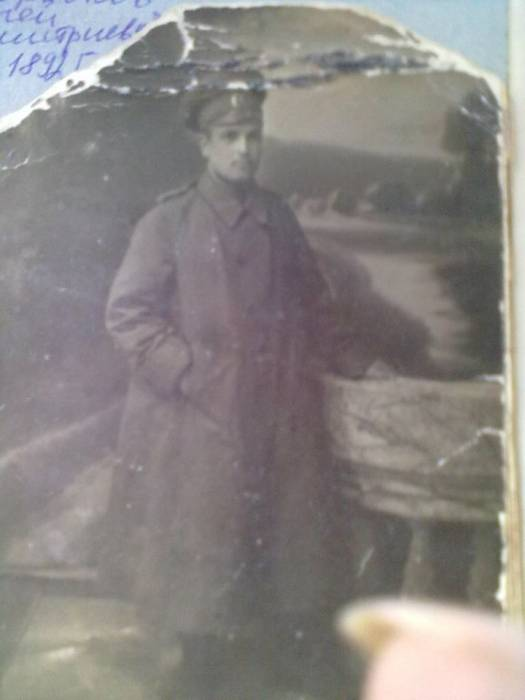Боровков Сергей Дмитриевич 1892 г.р. окончил Псковский Кадетский Корпус (предположительно)