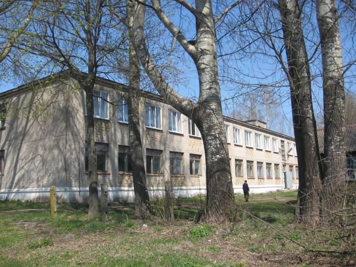 Дом по уходу за престарелыми. Раньше в этом здании была больница, школа, детский дом.