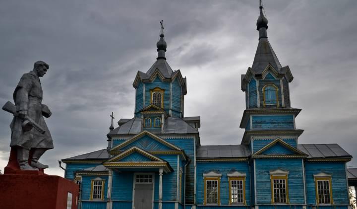 Плутовская Рождество-Богородицкая церковь 1907 года постройки.