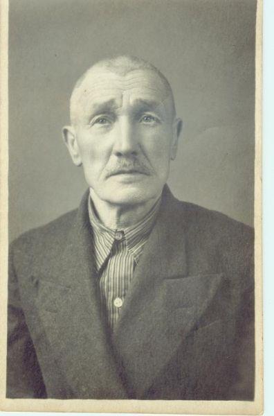 Stanisław Bogdaniec-mój Dziadek s.Wiktorii i Feliksa ur. w Łuninie ok.1880r.