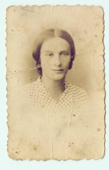 Anna Nowotna ur. w 1911r. w Pińsku.