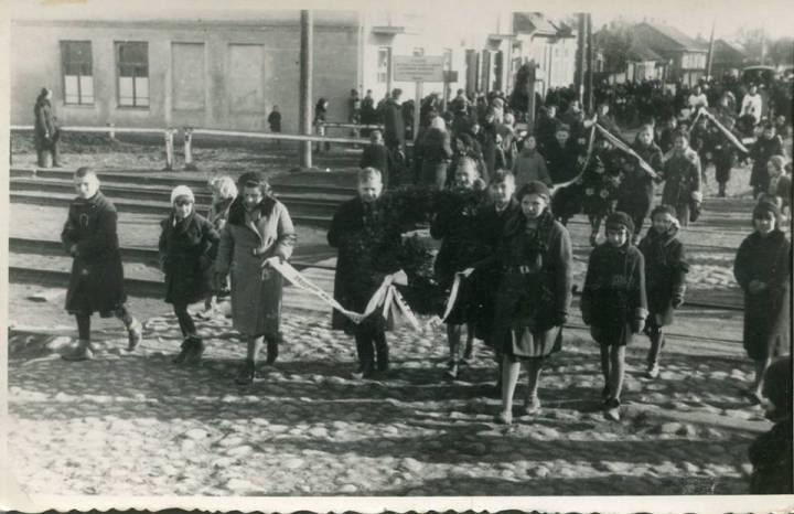 Pińsk.1935r, Pogrzeb Gimnazjalisty na ul.Pińska