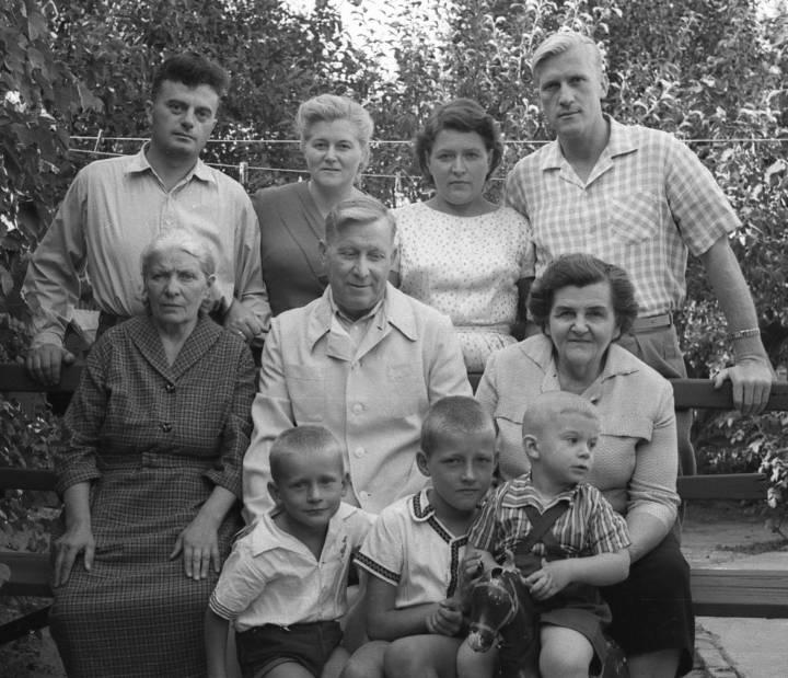 семья Пащенко и бабушка Паша (Мандрик - Позднякова)