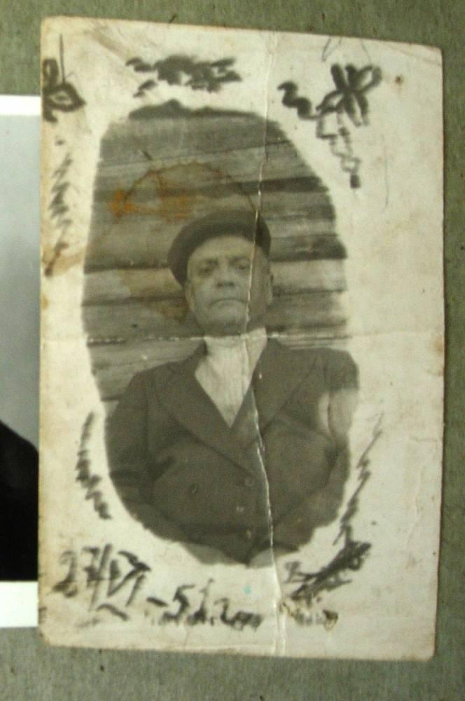 мой дедушка <br>Максим Павлович Долидёнок (Дайлидёнок)<br> родился в Хотиловцах , 8 декабря 1897 года