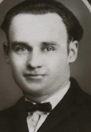 Pawel Wasiljuk/Paul Wasiluk presumed to be taken on wedding day 1917, PA or NJ