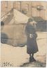 Wilno,ul .Stroma (Rotundo),mama patrzy w stronę swojego domu (Stroma 5A), dom z tyłu - Stroma 5, prawej dom zburzony podczas pierwszego nalotu niemieckiego na Wilno, mieszkająca w nim rodzina żydowska trafiła do Wileńskiego Getta a ich syn, uciekł z getta i ukrywał się przed Niemcami w domu mojego dziadka dziadka Mateusza Tatola.