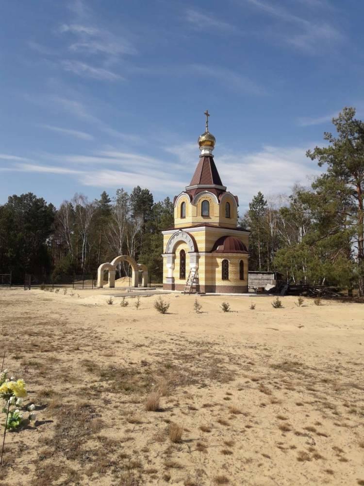 кладбищенская часовня д. Ляхчицы.На данный момент ведутся работы по строительству.