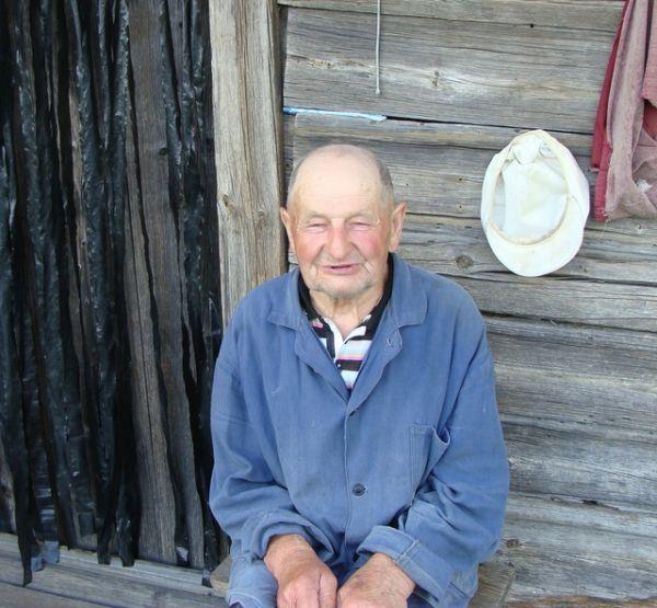 Карэнны жыхар в. Узнога Каржак Алесь, які памятае вельмі шмат з таго, што было.