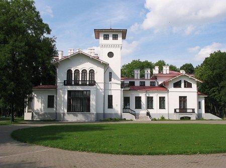 PRUŻANA -Muzeum ?<br>Muzeum-усадьба Швыковских.<br>·Zespół pałacowy Szwykowskich – pałac w stylu willi włoskiej z I poł. XIX w. w majątku Szwykowskich. Po 1863 r. dobra skonfiskowane przez cara, a budynek przeznaczono na siedzibę powiatu. Zachowały się też dwie oficyny. <br>Foto http://globus.tut.by