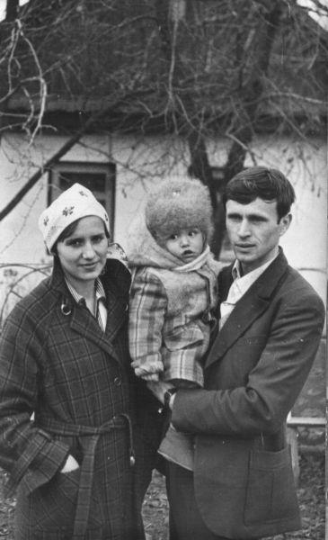 Романюк Нина Николаевна<br>Романюк Сергей Николаевич<br>Романюк Николай Николаевич<br>ноябрь 1981 года