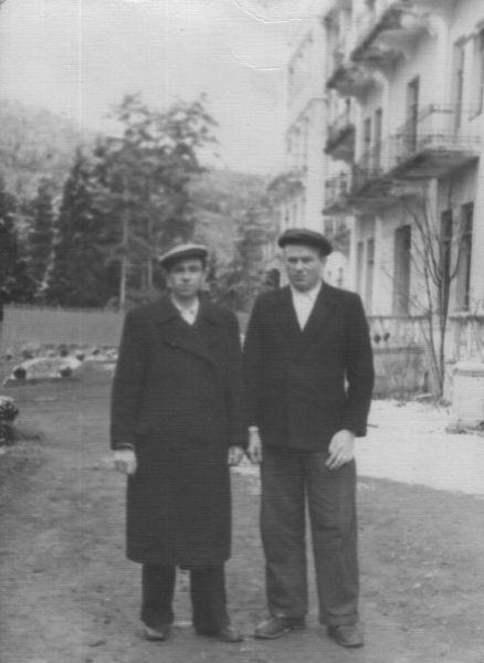 Булацкий Алексей-старший Никанорович, (14.02.1924 -  04.10.1954),  с другом в санаторий, Грузия