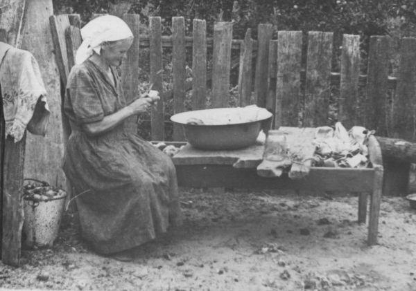 Смальцер (Сидоренко) Елена Андреевна, (15.05.1910-22.11.1987)