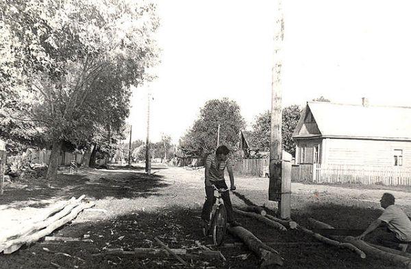 Хутор, <br>спарва дом семьи<br>1. Денисенко Абрама Яковлевича<br>2. Стрибук Степана Андреевича