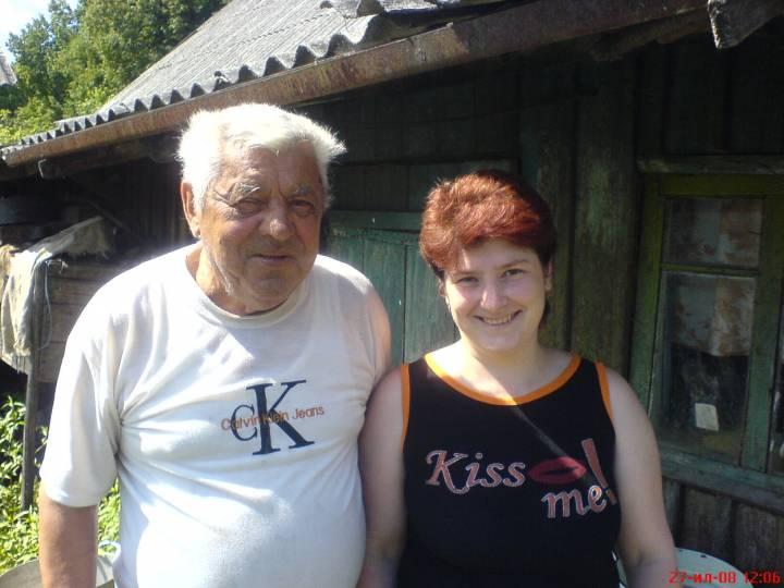 на фото один из  последних сторожил д.Кармановка мой дед Дударев Алексей Васильевич