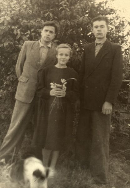 1956г. Сойчино. Мяделец Павел Иванович, Лабунович Вера Антоновна, Урбан Герман Мелентьевич.